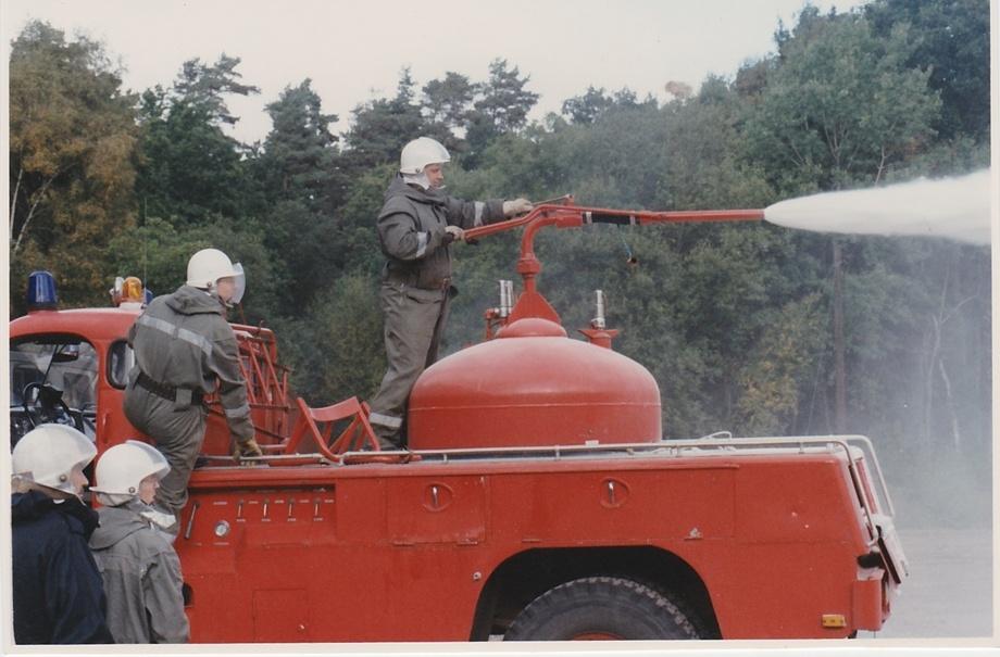 Räddngsfordon 918 Kanoninsats med Pulver Ulf Johansson är skytten 1991
