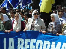 Mödrarna på Plaza de Mayo demonstrerar varje torsdag