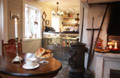 Det finns många små caféer och lunchställen att stanna till vid utmed vägen. Här Solhaga Stenugnsbageri i Slöinge, nära boendet dag 2.