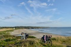 Du påminns ständigt att Kattegattleden är en kustnära cykelled.