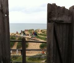 Dag 2 går cykelturen ut mot kusten och de många sandstränderna.