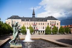 Varberg är en charmig stad med mycket att uppleva. Boka gärna en extranatt på högklassigt hotell, dagen före eller efter cykelturen.