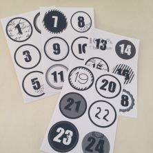 Kalendersiffror 1 - 24  svart/vita