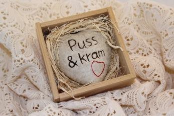 Hjärta i sten, Puss & kram
