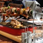 riktig mat serveras på svärd...