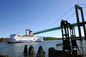 titta nu kommer Stenabåten