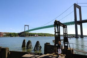 Älvsborgsbron i bakgrunden