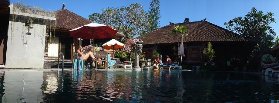 våran pool på Sanur Gopa hotel...