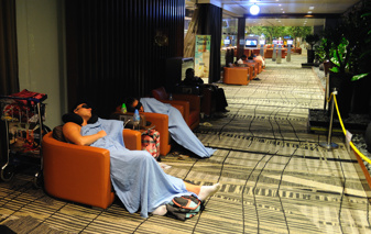 sover 9 timmar i Singapore...