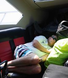 veteranerna passar på att sova...