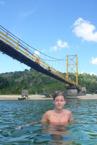 under bron...