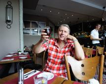 Blomman dricker Staropraner...