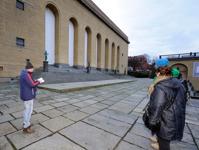 fyra statyer inleder på Götaplatsen...
