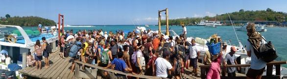 trångt hamnen Bali...
