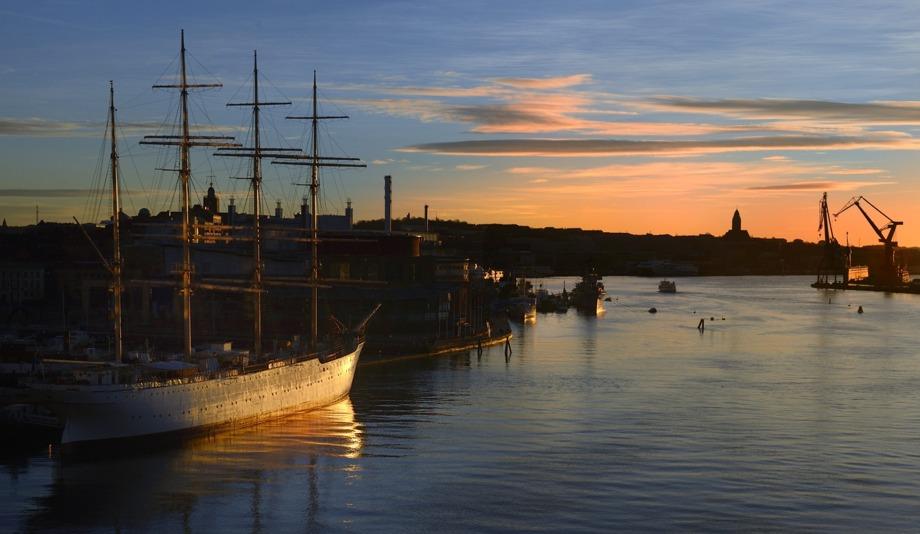 Barken Viking, Operan, Masthuggskyrkan vid horisonten