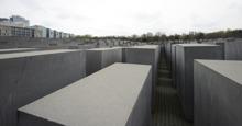 mera monument över förintelsen...