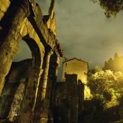 djävla ruiner överallt...