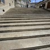 varför hamnar jag alltid i botten på alla trappor...