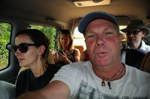 djävligt varmt i bilen när man är lite bakis...