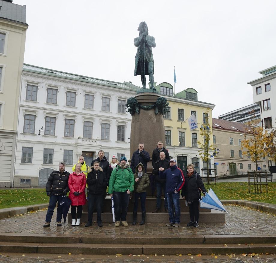 samling vid Jonas Alströmer, Lilla Torget klockan 1445...