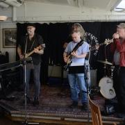 Göteborgs blues sällskap presenterar Micke med band...