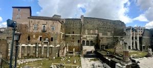 ruiner tolkade av Carina...