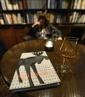 en god bok och en maltwhisky av bättre årgång...