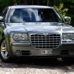 Chrysler 300 Hemi 340 hästar...