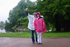 klädda för en regn konsert... men glada i hågen...