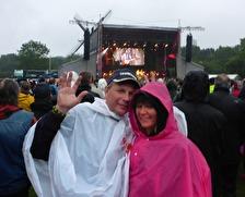 se så fina vi är i våra regn ponchos...
