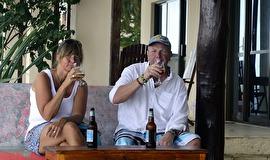 första Safarin i Nungwi, vi fick en special deal, köp 10st för 30 000 tusen TZA, av Fransesco ägaren av 2 Benches......