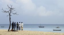 lågmälda samtal inför dagen på stranden...