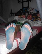 enda felet, man kan inte gå på golven... fötterna blir blåa... en bagatell...