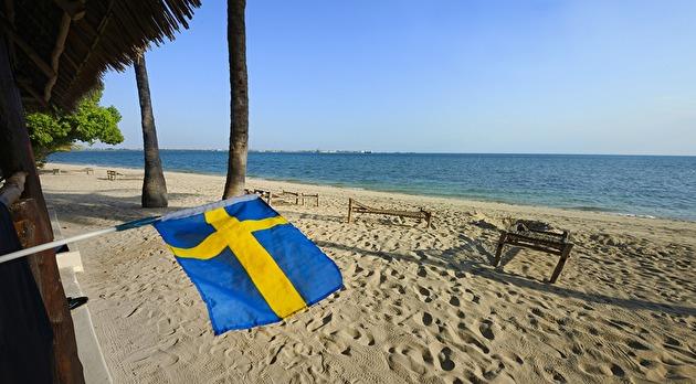 äntligen har den svenska flaggan fått sitt fäste på Chapwani...