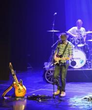 gitarr och trummor...