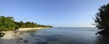 fina stränder på denna ön också, denna ligger vid hamnen...