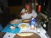 en kväll åt vi ostmackor till middag...