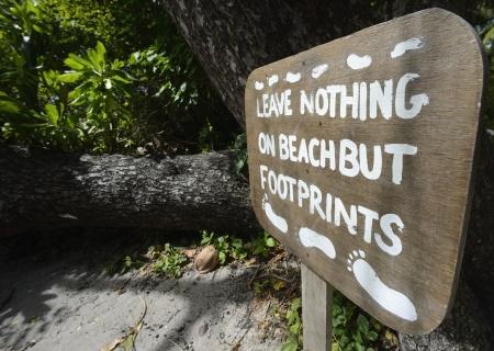 få men enkla regler på ön...