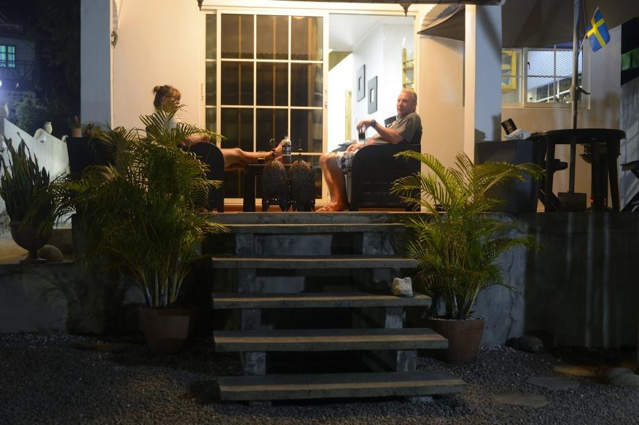fin groggveranda där man kan njuta av sin Tamaka samt reflektera över dagens händelser innan det är dags att krypa upp till övervåningen...