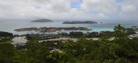 utsikt över Eden Island/Victoria samt Cerf Island i bakgrunden...