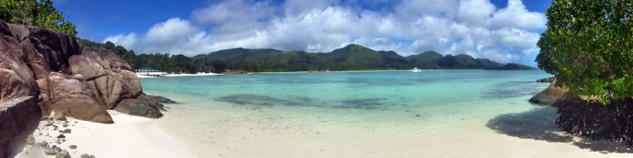 mini stranden vid Anse Gouvernemt...