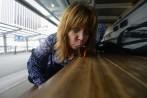 nosen sippar på en Jack Daniels vid Pier 11 Wall St. ...