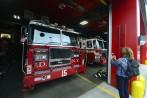 är det brandbilarna eller brandmännen som lockar...