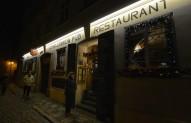 ikväll äter vi på John Lennon puben...