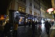 fina butiker och cafeer kantar gatorna...