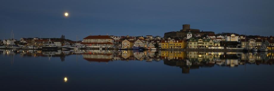 spegelblankt vid Marstrand...