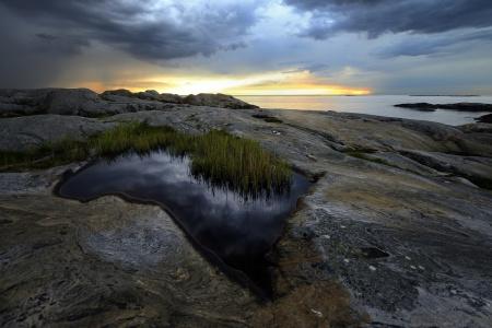 havet med sina klippor är vackert...