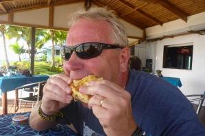 gött med macka och pommes efter snorklingen...