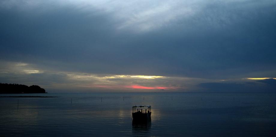 så gött att se solnedgången när solen går upp i Sverige...