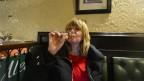 nosen testar första whiskyn...